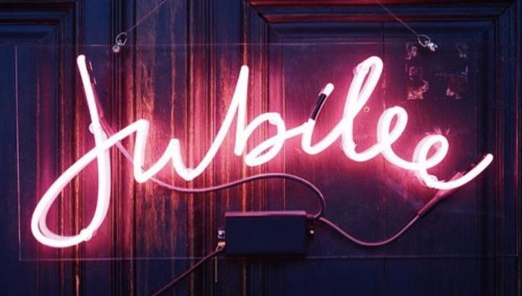 Jubilee_neon.jpg.66787bfb789352ae3517006c1328eb17.jpg